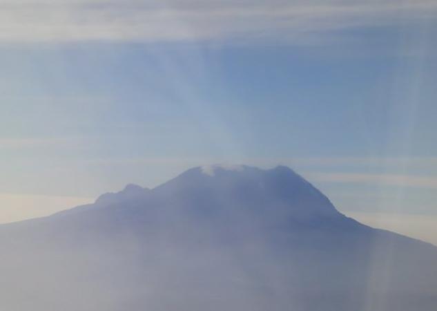 Climbing Kilimanjaro (2/6)